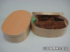 ご飯粒がくっ付きにくい木製容器・小判型曲げわっぱ。業務用使い捨て弁当箱